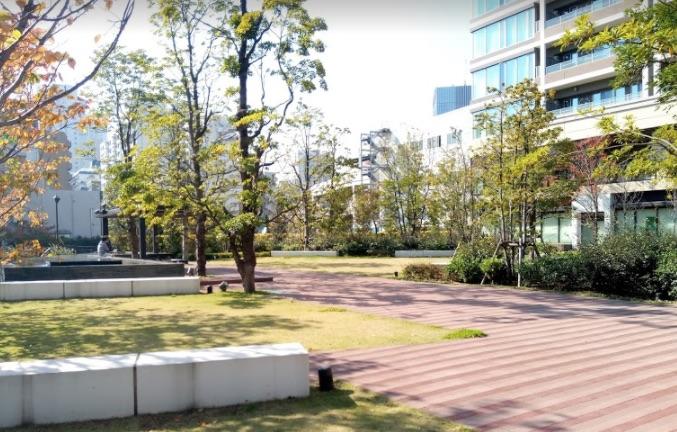 グローバルフロンタワー公開空地