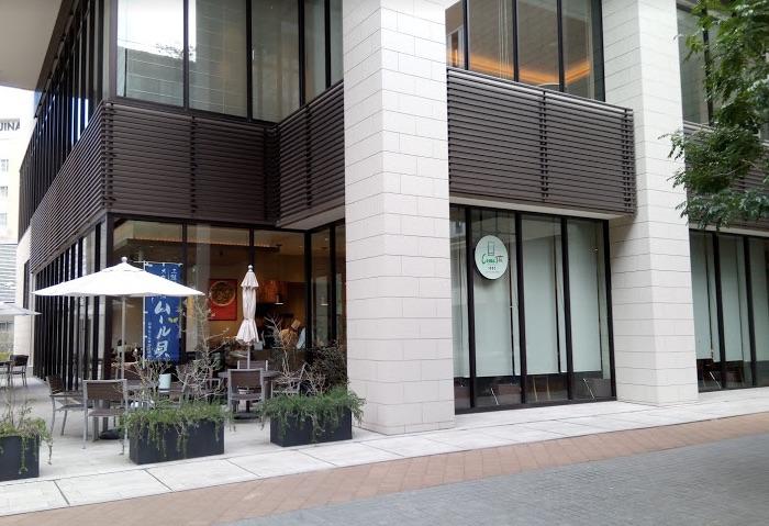 ホテル併設のレストラン