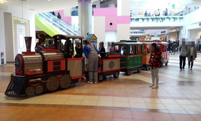 ららぽーと柏の葉キャンパス 機関車