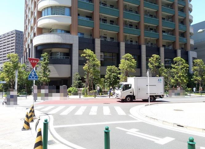 パークシティ武蔵小杉座グランドウィングの正面前の道路の画像
