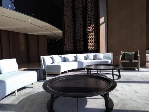 ガーデンロビーソファーとテーブル