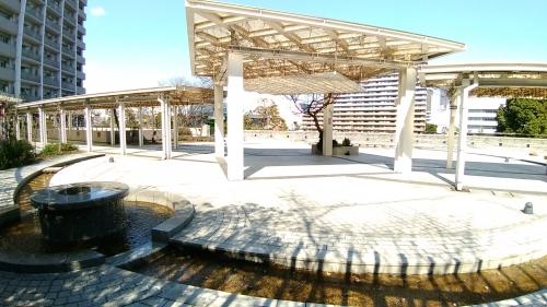 キャナルワーフタワーズ噴水広場